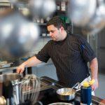 Remy Paratte, cuisinier à l'hôtel-restaurant de La Demi-Lune