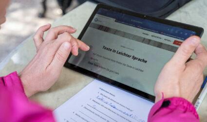 Bildschirm eines Tablets mit dem Titel